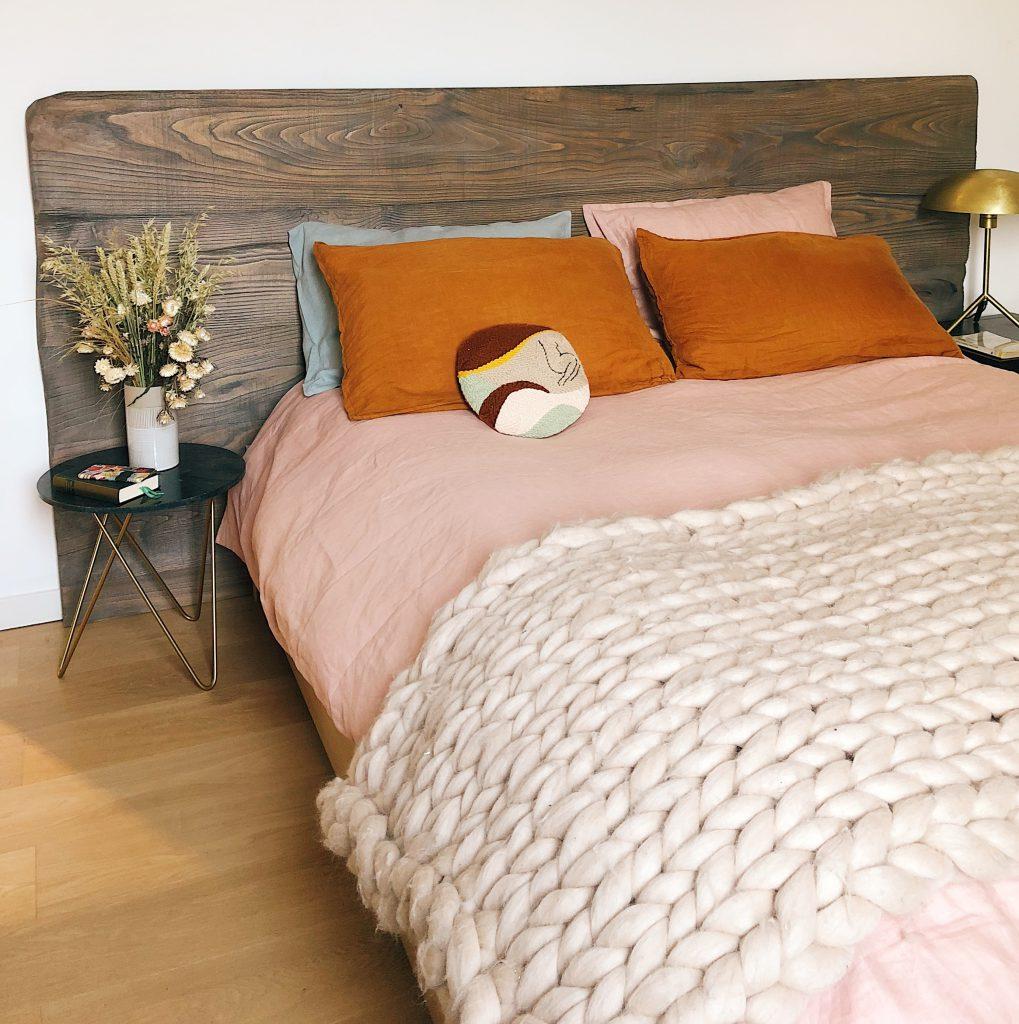 Chambre à coucher rose pale